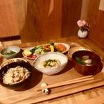薬膳&米粉カフェ やまのひつじ - 2017/06 おばんざいプレート