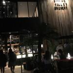 スプリングバレーブルワリー東京 - 夜。エントランス