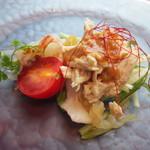69399719 - 【前菜】海鮮のバンバンジーサラダ