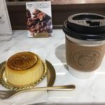 69404176 - コーヒーとチーズケーキ