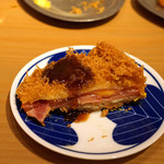 うどん酒場 香川一福 - ミルフィーユ ハミカツ チーズインにソースを