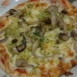 サイゼリヤ - 野菜きのこピザ(ダブルチーズ)