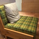キーズ・カフェ - この椅子とクッションが、腰痛持ちには嬉しかった〜(๑>◡<๑)