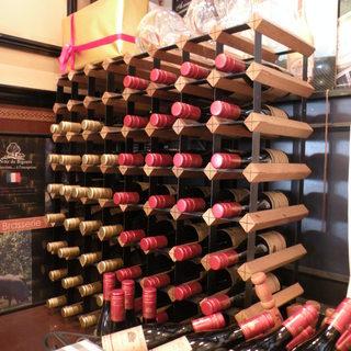 ボトルワイン常時約150種!¥3000(税込)~