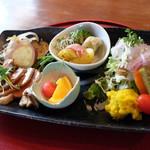 菜つむぎ商店&ポルカドッツ - プレートおかず 2017年7月