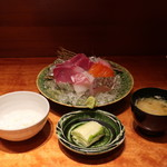 魚匠 銀平 - 御飯、漬物、味噌汁、刺身盛合せ