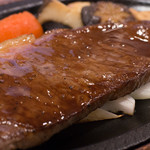 米沢牛 登起波 - サーロインステーキのアップ