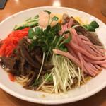 紅虎菜舗 - 料理写真:冷やし中華。1000円くらい。