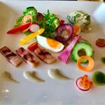 ホテルハーヴェスト 南紀田辺 - 紀州梅鯛のタルタル仕立てニース風サラダと共に  楽しい一皿