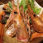 『千住の海老料理専門店』Shrimp Dining EBIZO 北千住 - お刺身で残った殻を、揚げてもらいました!カリッカリッ♡