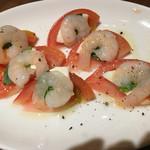 『千住の海老料理専門店』Shrimp Dining EBIZO 北千住 - ●小海老とトマトのカプレーゼ●カプレーゼ、海老とも良く合いますね!
