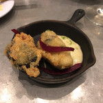 L'AVANT COMPTOIR - 【Beignets d' huitres 】(5€)どうやら牡蠣の揚げ物。美味しかった♪