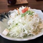 無添さぬきめん あじ豊 - 【サラダ】ドレッシングが足りなすぎる…苦笑