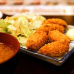 居酒屋 釧路 - サクサクのカキフライが5個♪