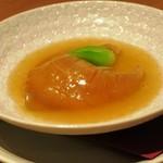 69435279 - 「ふかひれ(吉切尾びれ)の姿煮 金華ハム薫る広東風上湯ソース」