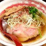 のだ麺 ~縁~ - 「醤油清湯」(720円)。
