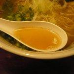 肉支那蕎麦 喜元門 - スープ
