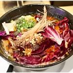 東京担々麺 RAINBOW - 海老ワンタンパープル担々麺 1000円 紫芋の甘みが加わった担々麺…意外とイケます。意外と。