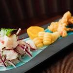 ペルー料理 bepocah - 料理写真:鮮魚のセビチェ 魚介の「チチャロン」添え