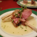 シャテール - ロゼール産仔羊ロース肉のロティ