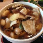 うどん 寿製麺 - 肉汁にも豚肉たっぷり