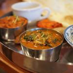 チャンダニ - 料理写真:チキンハリヤリ、後がブローズンちり、Dセット