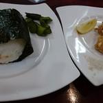 ひまわり - 「男の肉そば」唐揚げセット!(1,000円)おにぎり付き。