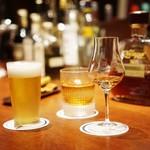 バー キュラソー - 各自好きなドリンクで乾杯