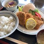 福寿草 - 料理写真:ヒレカツ定食