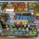 アート スペース ベルグ - 飲み物とデザート達