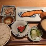 石塀小路 豆ちゃ - 本日の焼き魚御膳