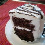 カノン - クリームたっぷりふわふわチョコシフォンケーキ