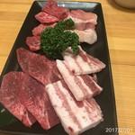 とよ松 - 鶏、豚、牛、タンのハーフセット