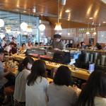 海転からと市場寿司 - 店内の様子