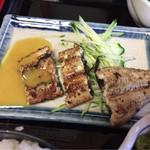 69465503 - 上定食(白焼き酢味噌)