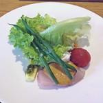 ラピ - 天然カンパチのガスパチョ、サラダ