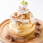 塩キャラメルとマシュマロのスフレパンケーキ