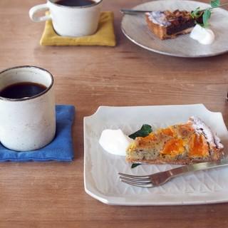 サオリスイーツ - 料理写真:はるみとアールグレイのタルト、コーヒー