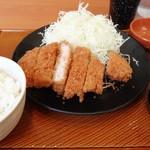 とんから亭 - 料理写真:熟成ロースかつ定食 通常価格699円(税抜)