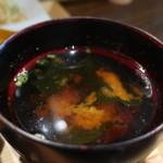 海月 - 豆腐、わかめ、青ねぎのみそ汁アップ