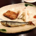 鮨 波やし - ゲソ焼、鮪脳天焼、稚鮎