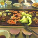 ニューグロリア鶴崎ホテル 屋上ビアガーデン - 料理写真:焼肉用の鉄板!