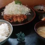 集楽亭 - 生姜焼き定食1200円