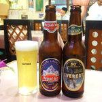 サンサール - ネパールアイス(685円)とエベレスト(685円) ※写真は新宿店のもの。