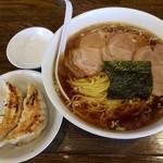 南京亭 - 【2017/7】チャーシュー麺+2個餃子