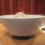 Japanese Soba Noodles 蔦 - 塩Sobaは下部が青い丼