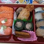 三咲羽や - 料理写真:ぜいたく弁当