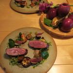 ナイン ストーリーズ - 肉料理:マグレ鴨のロースト ジュとベリーのソース1