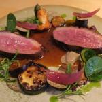 ナイン ストーリーズ - 肉料理:マグレ鴨のロースト ジュとベリーのソース5