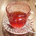 すみだ珈琲 - すみだブレンドを飲み終わった後友人の紅茶をin。キレー。
